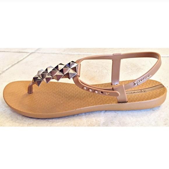 220fdf241e3 Ipanema Shoes - IPANEMA CLEO SHINE PYRAMID SANDALS FLIP FLOPS SZ 6